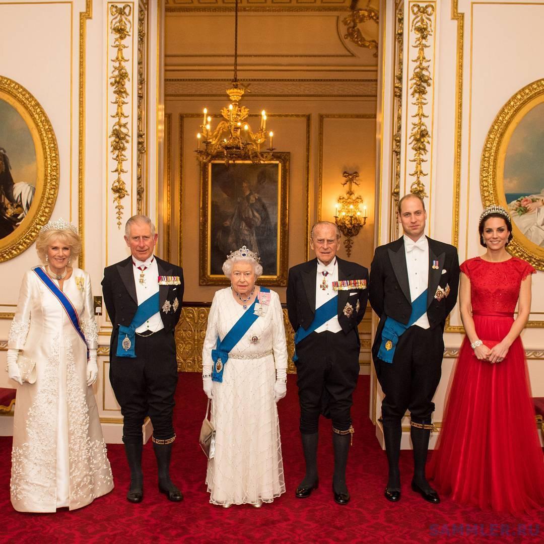 Елизавета II с мужем и наследниками - орден Подвязки.jpg