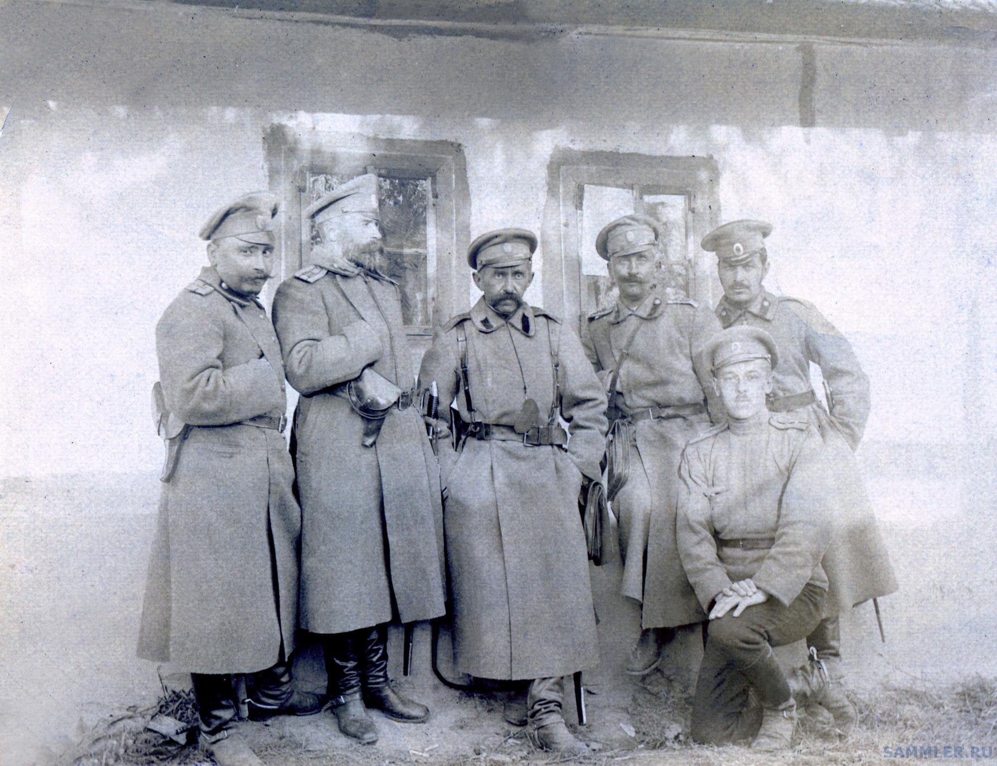 Куцкий (первый слева).jpg