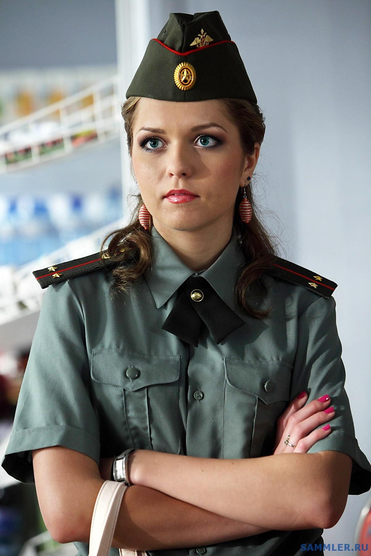 спаситель уже красивый девки в военной форме красивые упругие попки