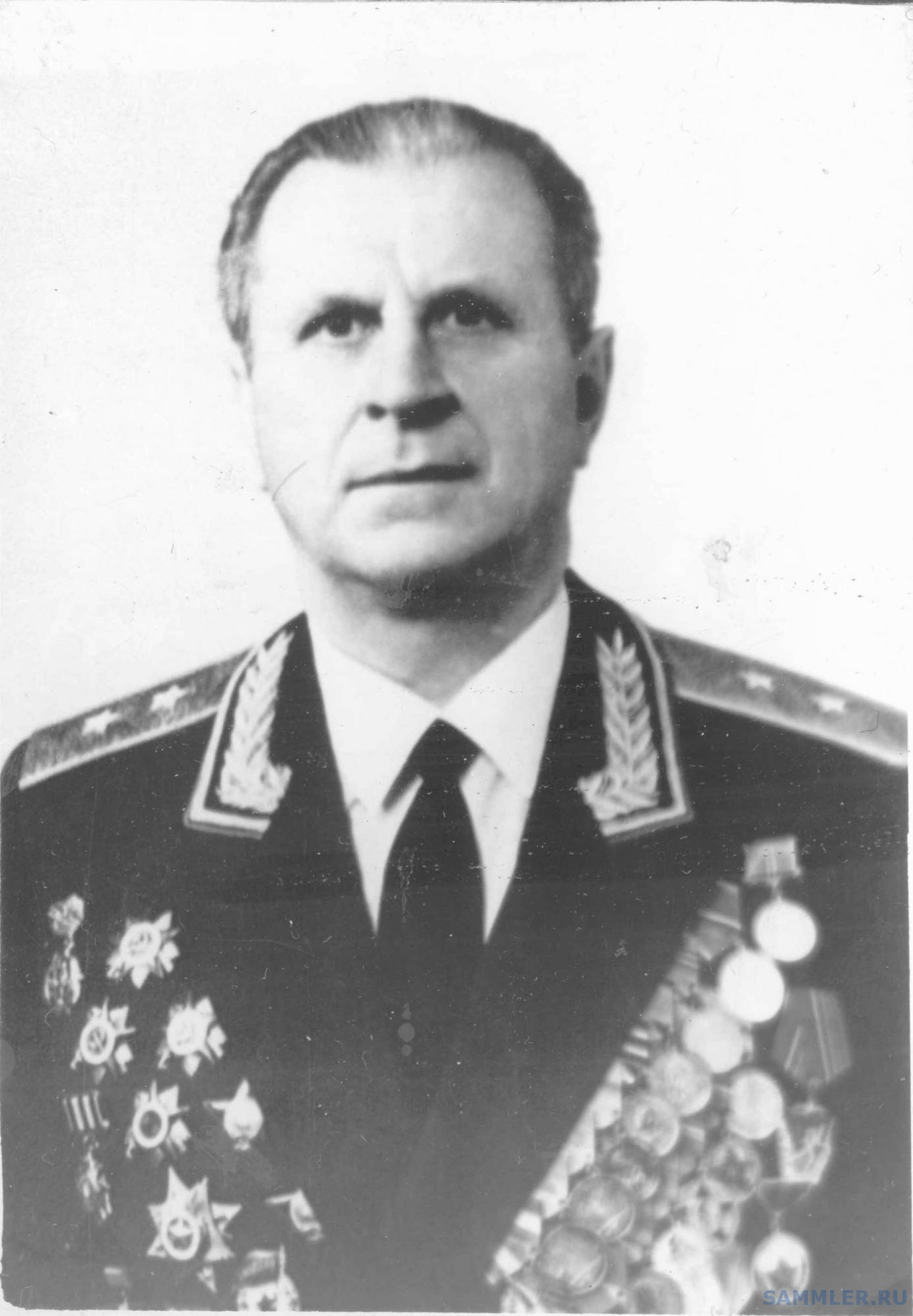Бондарь Геннадий Трофимович.jpg