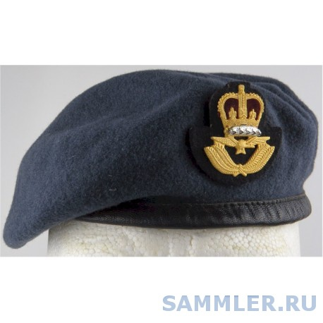 beret-royal-air-force-officers-with-cap-badge-with-queen-elizabeths-crown-gilt-and-enamel-hat-cap-or-helmet.jpg