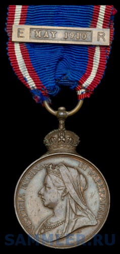 Royal Victorian Medal, V.R., bronze, with 'E.VII.R.' bar, May 1910 (E. Ball, Feb. 1901).jpg