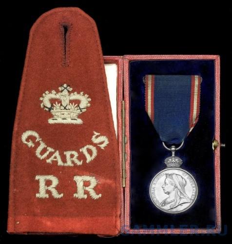 Royal Victorian Medal, V.R., silver (Sgt. R. Mills, R.G.R.R.).jpg