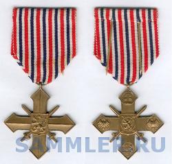 250px-Czechoslovak_War_Cross_1939-1945.png