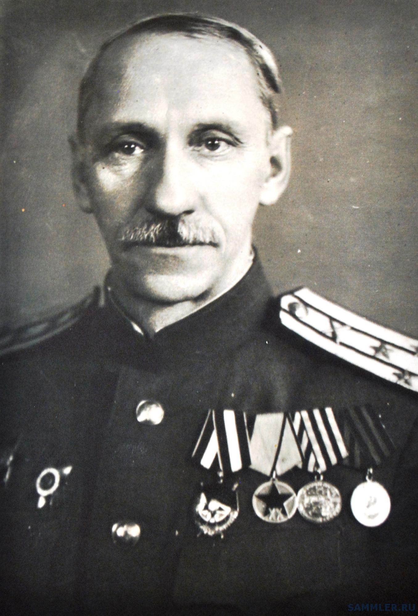 Виктор Инокентьевич Марков, полковник СА.jpg