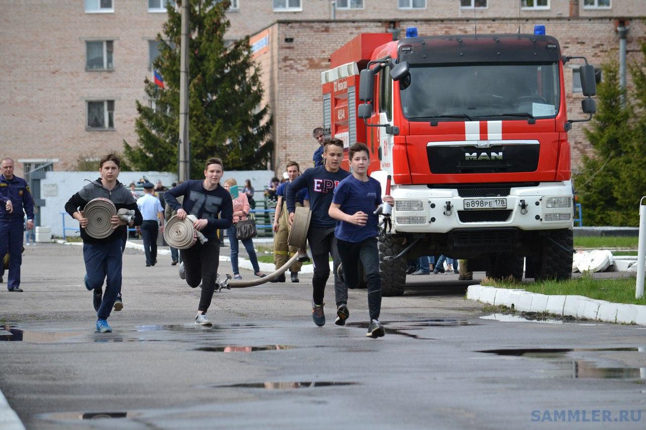 Юный пожарный.jpg