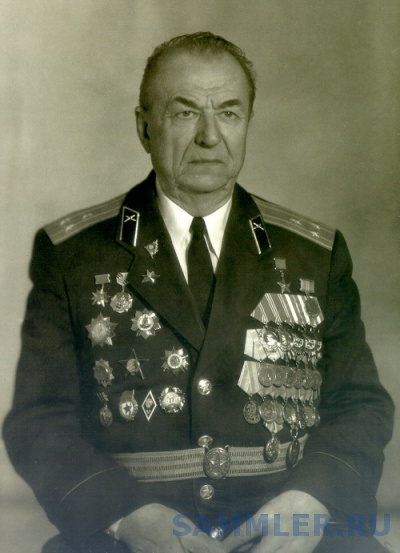 Жагала       Виктор Макарьевич артиллерия.jpg