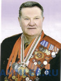Леонид жаботинский - 19-кратный рекордсмен мира, свой первый рекорд он установил в 1963 году (165 килограммов в рывке), после чего стал членом сборной ссср и занял