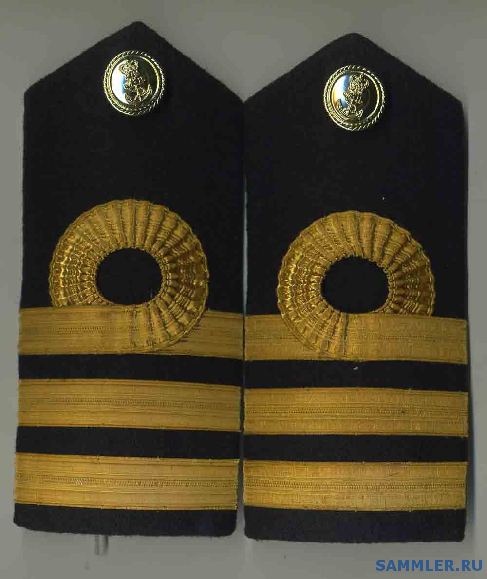 ROYAL_NAVY_OFFICERS_RANK_EPAULETTES___COMMANDER.jpg