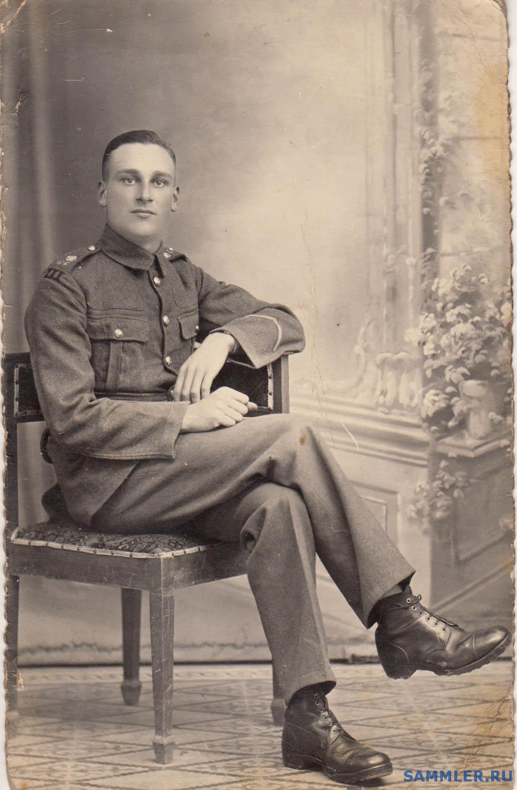 Coldstream_Guards_3rd_Battalion_Jerusalem_Palestine_1939.jpg