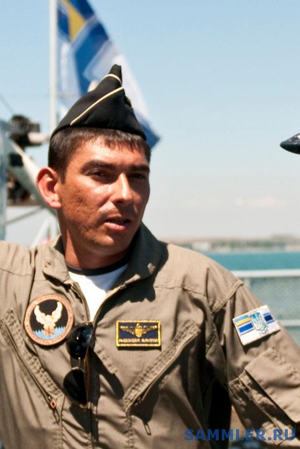 capt_dan_shaffer_commander_of_destroyer_squadron_60_center_and_ukrainian_navy.jpg