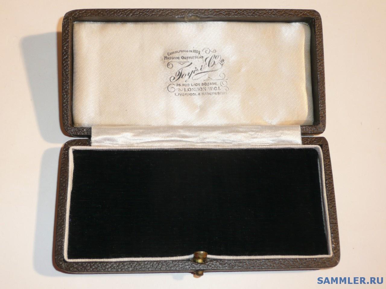 Masonic_Jewel_Medal_Box_TOYE___Co..jpg